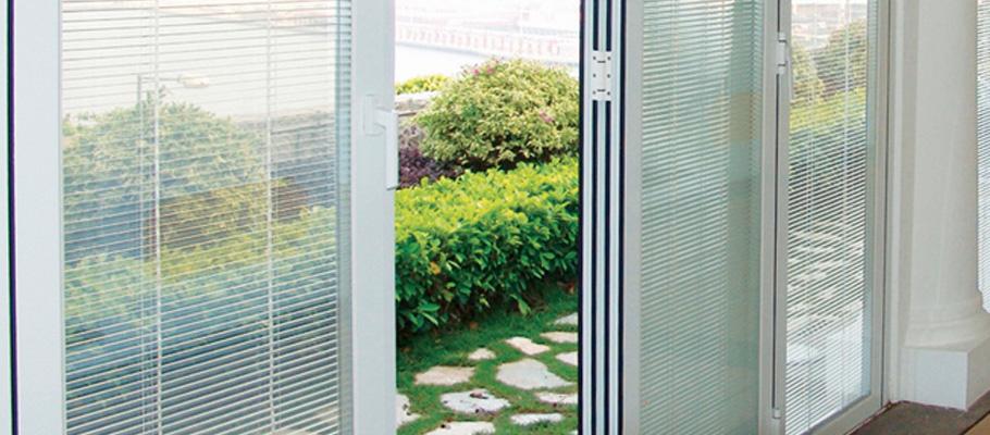 Protections intégrées aux vitrages doubles