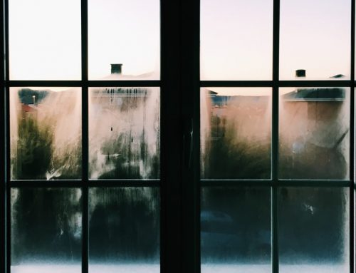 Identifier les causes d'un problème de condensation superficielle