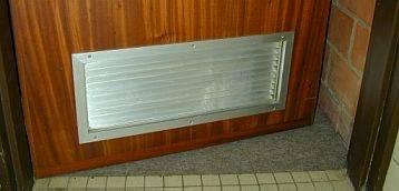 Photo grilles dans les portes.