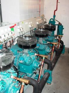 Évaluer l'efficacité de la production frigorifique associée