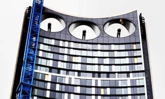 Photo éoliennes intégrées au bâtiment - 02.