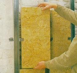Photo système à panneaux isolant entre profilés métalliques.