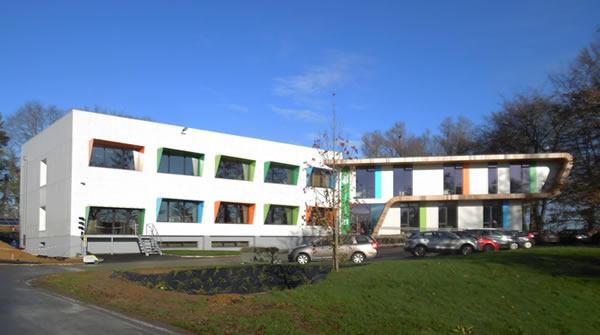 PAINT IT GREEN : Rénovation et extension du bâtiment existant du CoRI