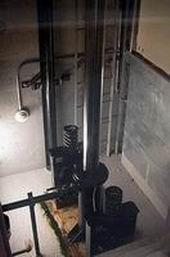 Photo ascenseurs hydrauliques.