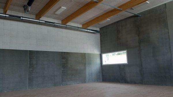 Photo des pré-murs de la salle de sport.