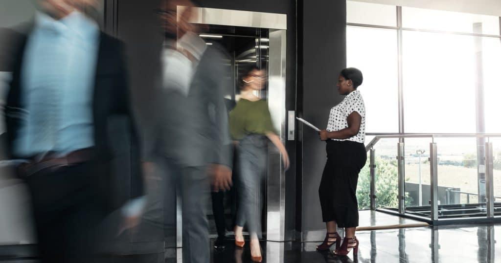 Évaluer le confort et l'efficacité du trafic [ascenseurs]